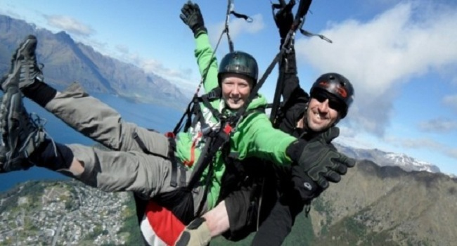 Couples Paragliding