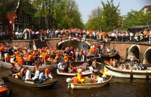 Kings-day-party-boat